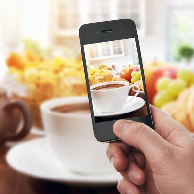 Mobile Devices Leaving an Unsavory Taste in Restaurant Owner's Mouth