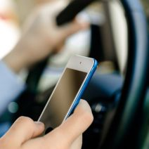4 Ways to Avoid Distracted Driving While Still Being Productive With Your Phone