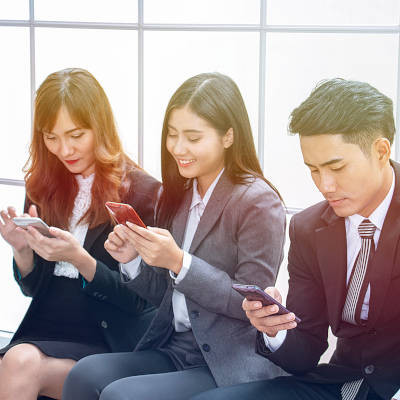 Tip of the Week: Being Courteous and Professional with a Mobile Device
